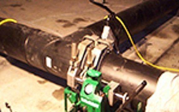 HDPE pipe in a fusion machine